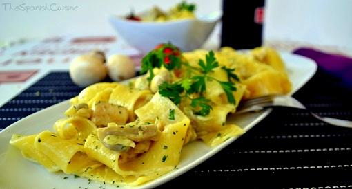 Spanish Chicken And Mushroom Pasta Recipe Spanish Food Recipes