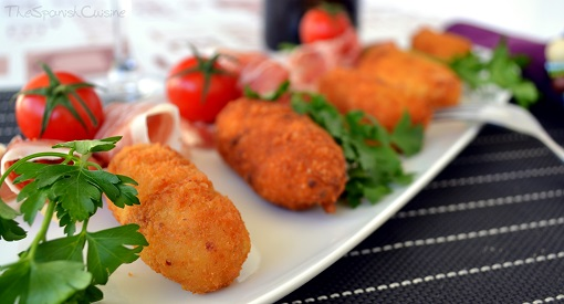 Spanish ham croquettes recipe! Get this yummy and homemade Tapas recipe from Spain