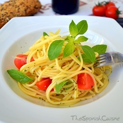 Tomato basil pasta recipe from Spain, a fast and easy to cook pasta dish!