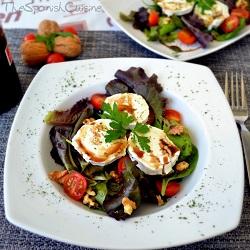 Honey walnut salad recipe, an easy and healthy salad recipe with balsamic vinegar of Modena