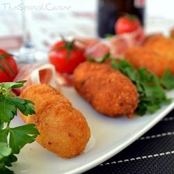 Receta de croquetas de jamón caseras con bechamel, una deliciosa tapa típica de la cocina española