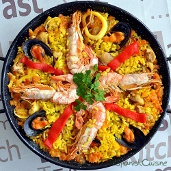 Spanish paella recipe. The authentic paella recipe, the world famous Tapas dish