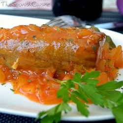 Baked tuna fish recipe in tomato sauce, an easy to cook Spanish Tapas dish