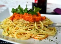 Spanish pasta recipe with tuna and tomato sauce, a fast and easy dish!