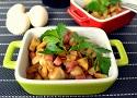 Salteado de champiñones al ajillo con jamón, una receta de tapa fácil y casera