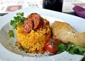 Receta de arroz con pollo y chorizo, una plato casero, sabroso y fácil de cocinar