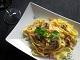 Espaguetis carbonara, una receta de pasta con cremosa salsa carbonara
